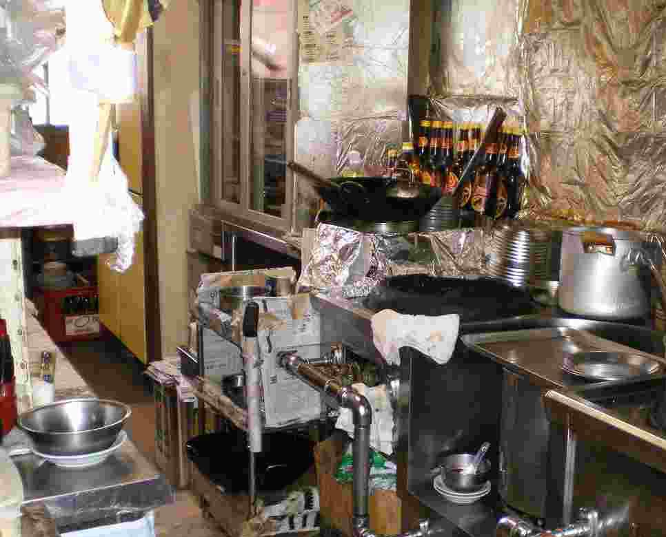 壊れた厨房機器